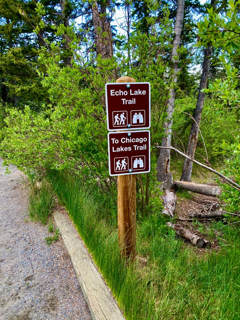 Sign marking the trail ahead